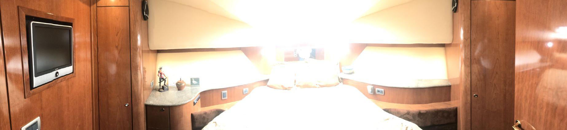 Meridian 580 Pilothouse image