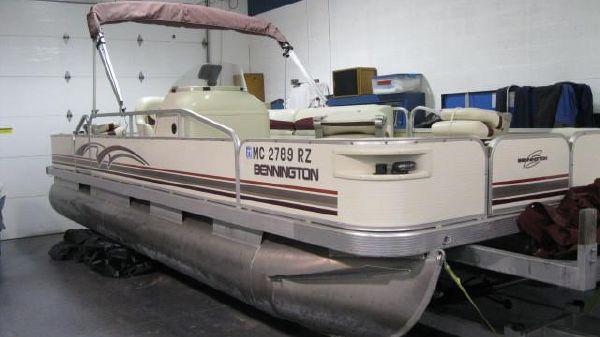 Bennington 227 FS