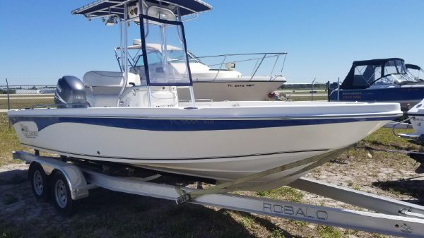 Sea Chaser 210 LX Bay Runner