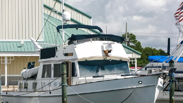 Grand Banks 46 Classic Strbd Bow View