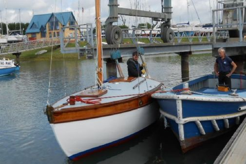 Classic Cardnell Sloop image