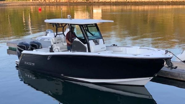 Blackfin 272 Center Console