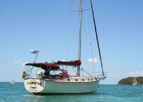 Island Packet 38 image