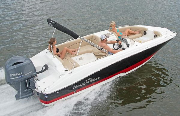 2019 NauticStar 203SC Sport Deck