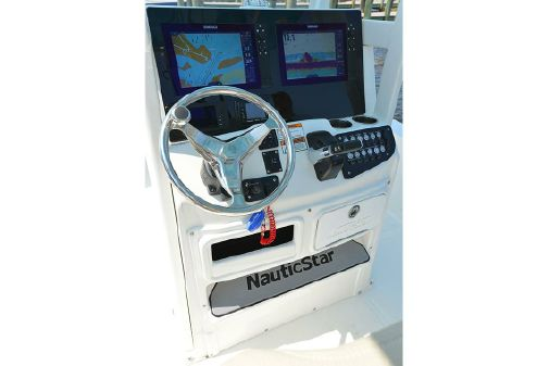 NauticStar 265 XTS image