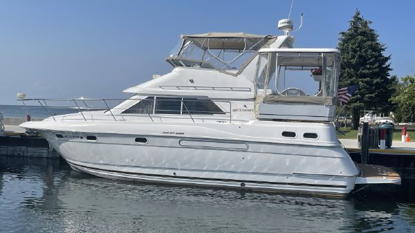 Cruisers 3650 Aft Cabin