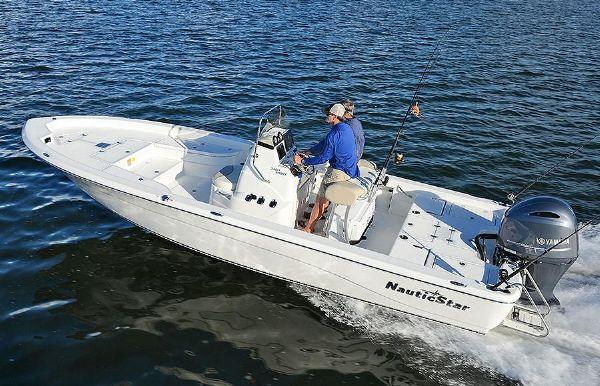 2019 NauticStar 2400 Sport