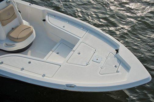 NauticStar 215 XTS Shallow Bay image