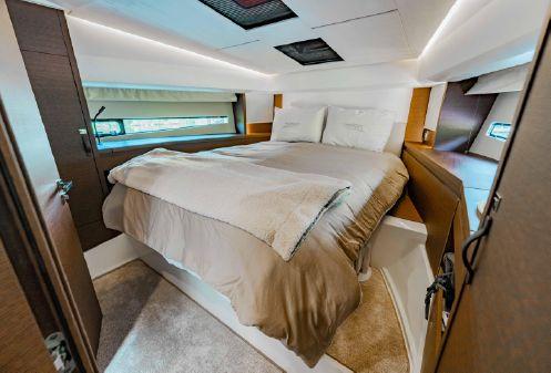 Prestige 460 Flybridge image