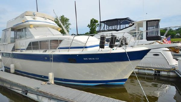 Chris-Craft 410 Commander Power Boats For Sale - Midwest