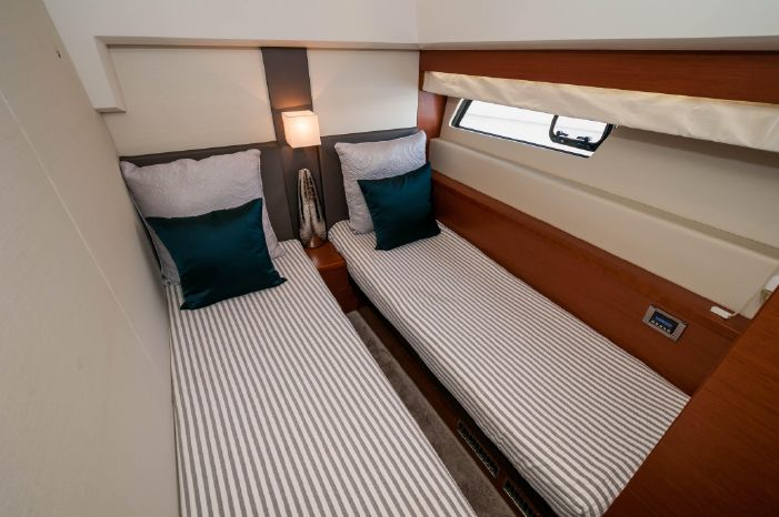 2015 Prestige 550 Flybridge Broker BoatsalesListing