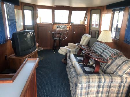 Sport-Yacht House Boat image