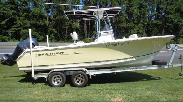 Sea Hunt 234 ultra