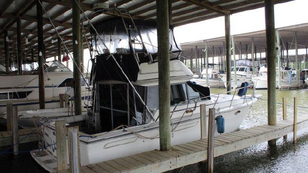 Tiara Yachts 3100 Flybridge