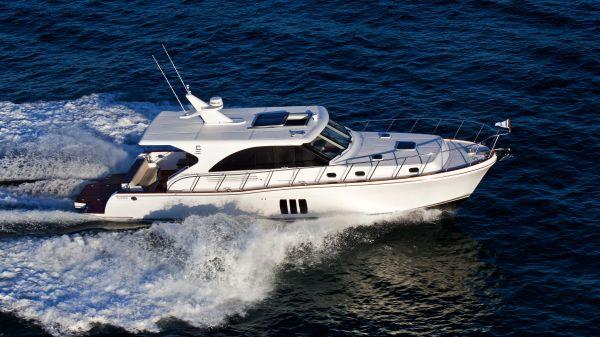 Explorer Motor Yachts Hudson Bay 50 Sedan