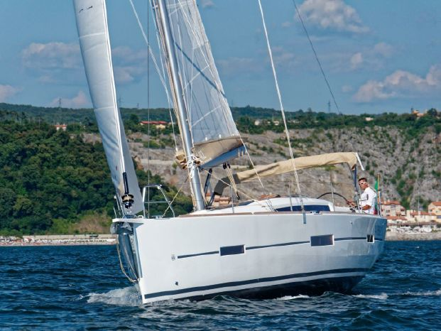 2018 Dufour BoatsalesListing Sell