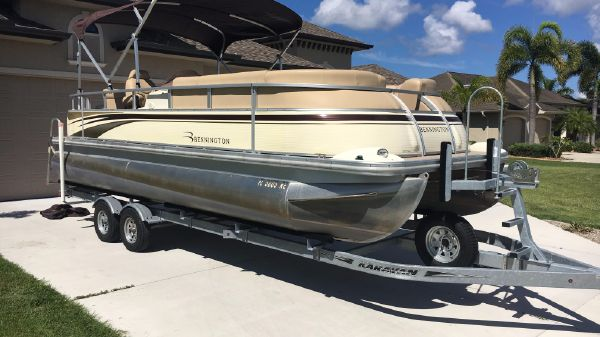Bennington 2275 QXI PONTOON BOAT