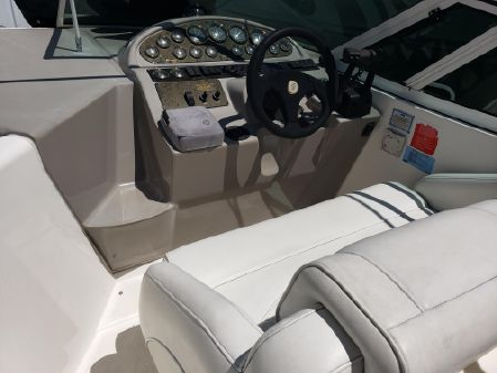 Cruisers Yachts 280 Express image