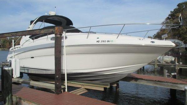 Sea Ray 320 Sundancer Starboard Bow