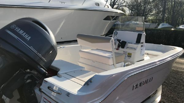 Robalo R 160 Center Console