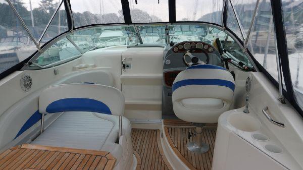 Bayliner 265 Bayliner 265 cockpit