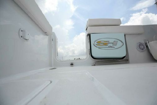 Sea Hunt Gamefish 27 Coffin Box image