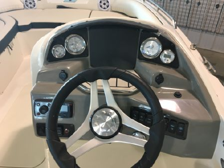Stingray 192SC Side Console image