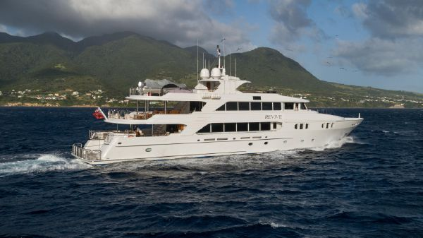 Richmond Yachts Tri-Deck Motor Yacht