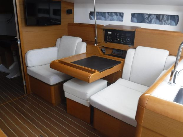 2015 Jeanneau BoatsalesListing Purchase