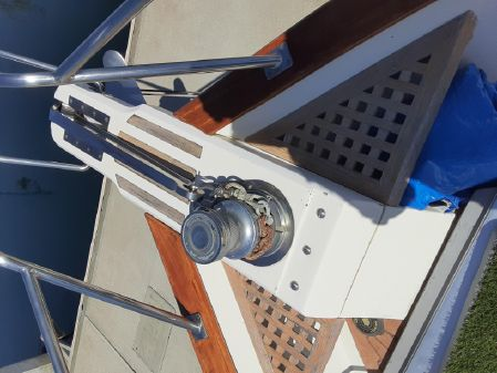 Offshore Yachts Cockpit Motor Yacht image