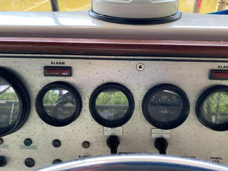 Chris-Craft 362 Catalina image