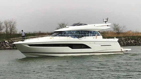 Prestige 630S Coupé Motor Yacht
