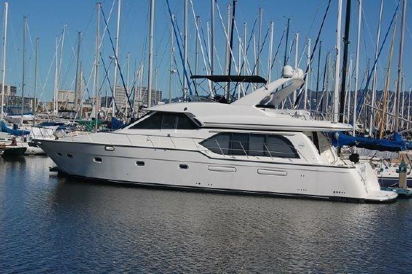 Bayliner 5788 Pilot House Motoryacht - main image