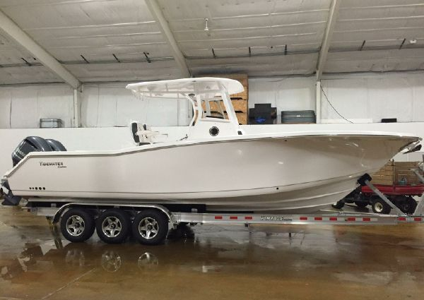 Tidewater 280 CENTER CONSOLE image