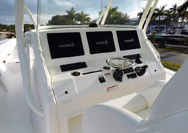 Regulator 41 Center Console image