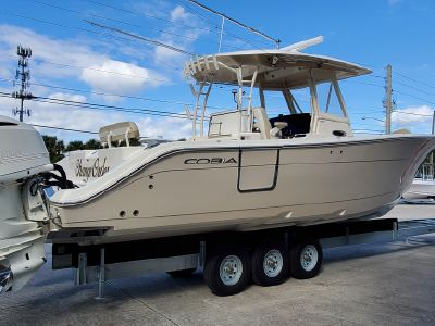 2017 Cobia<span>344 Center Console</span>