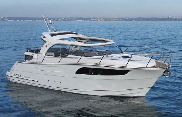 2021 Marex 320 Aft Cabin Cruiser