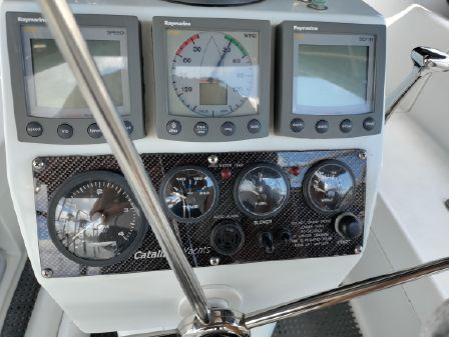 Catalina 350 Cruiser image