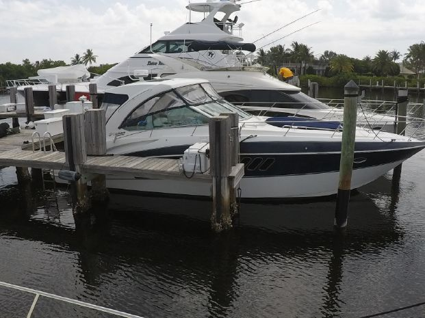 2009 Cruisers Yachts 380 Express Lighthouse Point, Florida