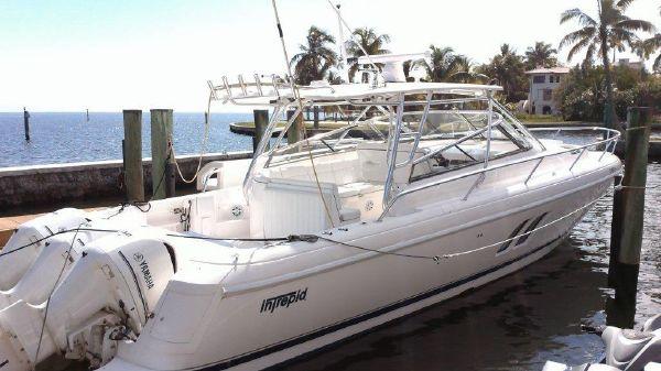 Intrepid 430 Sport Yacht