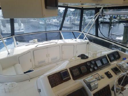 Sea Ray 550 Sedan Bridge image