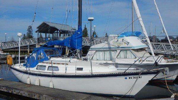 Newport 28 Sloop