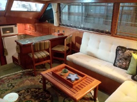Hatteras 48 Motor Yacht image