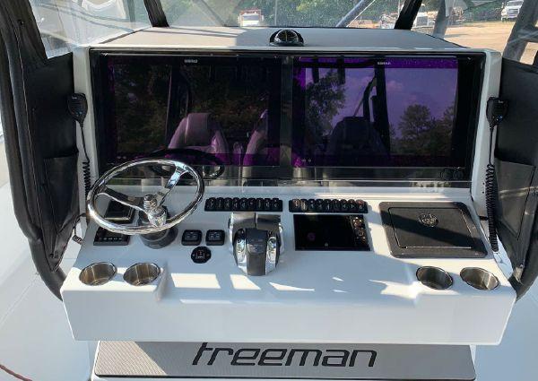 Freeman 42 LR image