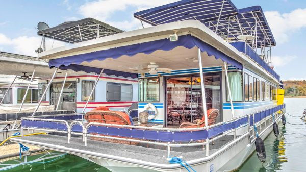 Stardust Cruisers 16 x 62 with Catwalks