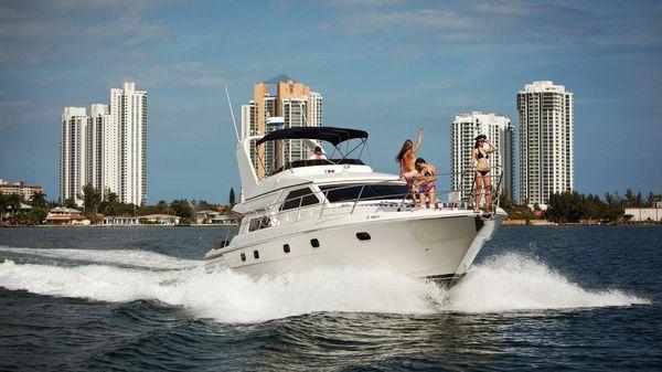 Gulf Craft Sport Flybridge Cruiser