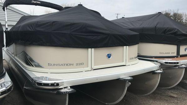 Premier 220 SunSation