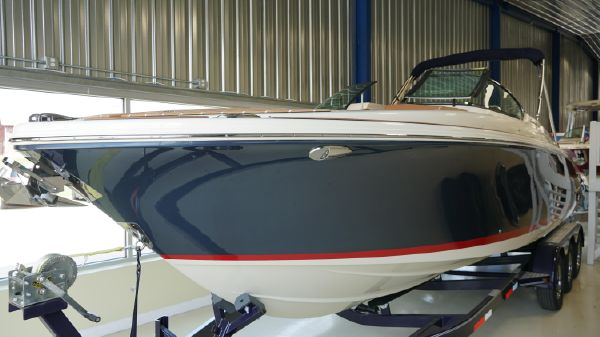 Chris-Craft Launch 28 GT I/O