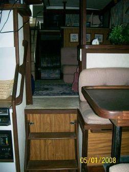 Carver 36 Aft Cabin image