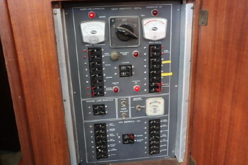 Hatteras 42 Convertible image